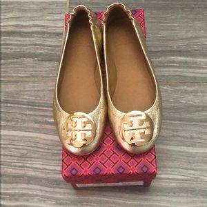Tory Burch gold Minnie travel flats with logo sz 5